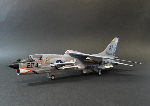 ハセガワ F-8E クルセイダー 1/72